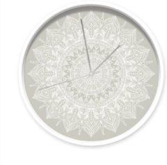Dutch Sprinkles klok Mandala grijs, witte rand, zilveren wijzers