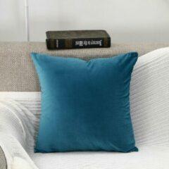 Geen specifiek merk DB Lifestyle kussenhoes 50x50cm lichtblauw / turquoise | vierkant | fluwelen effen sierkussen