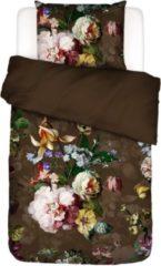 Donkerbruine Essenza Fleur katoensatijn dekbedovertrekset met bloemenprint 215TC - inclusief kussenslopen