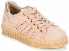 Roze Lage Sneakers Bullboxer AIB006