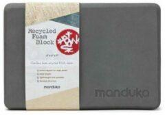 Manduka - Recycled Foam Block - Yogablok zwart/grijs