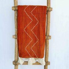 Nusa Originals - Luxe Scandinavian Sprei - Oranje Zigzag Motief - Handgemaakt & Duurzaam - 216x145cm