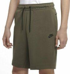 Groene Nike Tech Fleece sweatshorts met logo en steekzakken