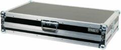 Innox Met deze flightcase neem je de Pioneer DDJ-1000 veilig met je mee en heb je gelijk een goede basisopstelling voor je DJ-set. Er is namelijk ook een uitschuifbaar laptop-plateau in de case gebouwd. Met afneembaar deksel.