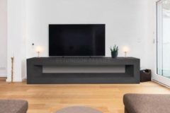 Zwarte Betonlook TV-Meubel open vak | Black Steel | 200x40x40 cm (LxBxH) | Betonlook Fabriek | Beton ciré