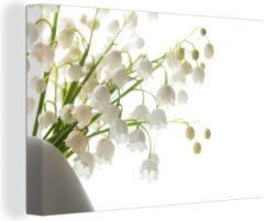OneMillionCanvasses Het Lelietje van Dalen in een witte bloempot Canvas 120x80 cm - Foto print op Canvas schilderij (Wanddecoratie woonkamer / slaapkamer)