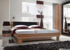 Bett 180 x 200 cm mit Nako-Set Kernnussbaum/ schwarz Helvetia Vera