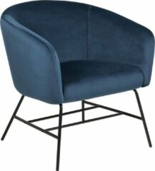 Fyn Ramy fauteuil in marineblauwe stof en zwart metalen onderstel.