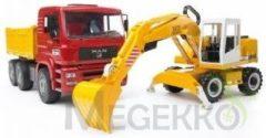 Rode Bruder 02751 - MAN TGA vrachtwagen met Liebherr graafmachine