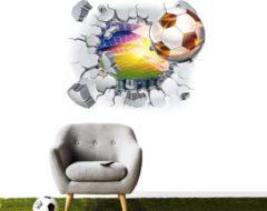 Muurstickerstunter Muursticker voetbal met vlammen door muur
