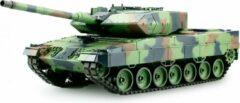 Groene Heng Long RC tank Leopard 2A6 2.4GHZ met schietfunctie en rook en geluid BB en IR en luxe houten kist