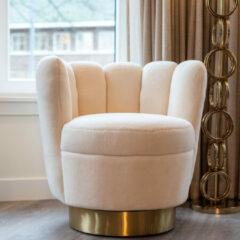 Richmond Interiors Richmond Fauteuil 'Mayfair' Faux Schapenvacht, kleur Wit
