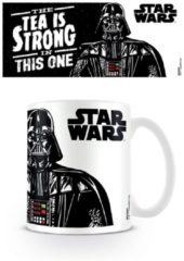 Merchandising STAR WARS - Mug - 300 ml - Tea is Strong in this one