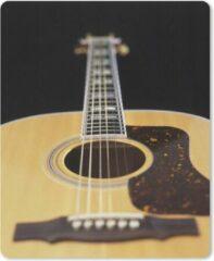 MousePadParadise Muismat Akoestische gitaar - Een liggende akoestische gitaar muismat rubber - 30x40 cm - Muismat met foto