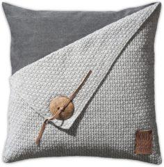 Grijze Knit Factory Knitfactory Gerstekorrel - Sierkussen - 50x50 cm - Lichtgrijs
