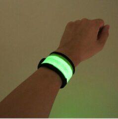 IM Running GROEN LED Hardloop Arm Verlichting - Set van 2 stuks - Reflecterende Armband - Hardlopen - Fietsen - Running light - Outdoor Sports - verstelbaar 28 / 32 cm, batterij inbegrepen - 3 lichtstanden